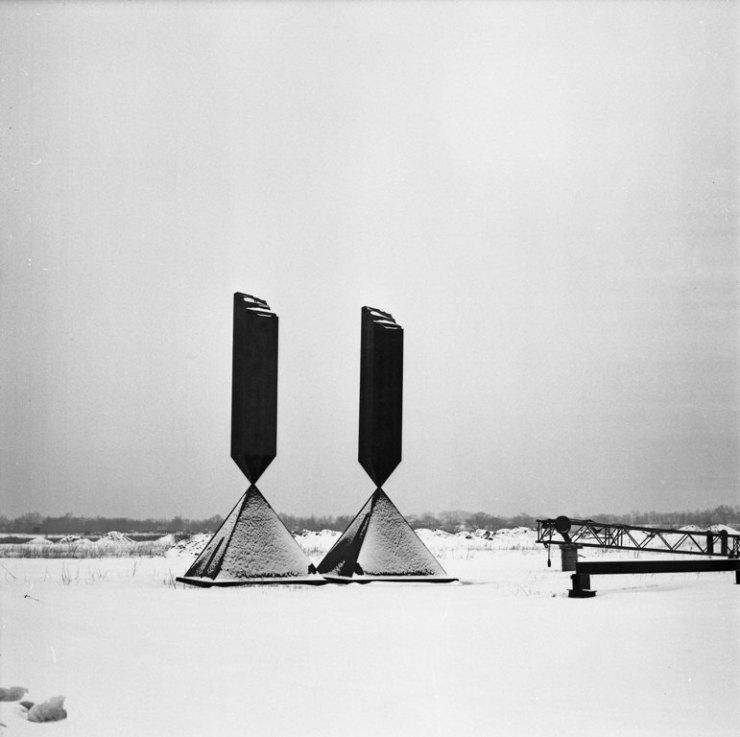 broken obelisk 1963-67
